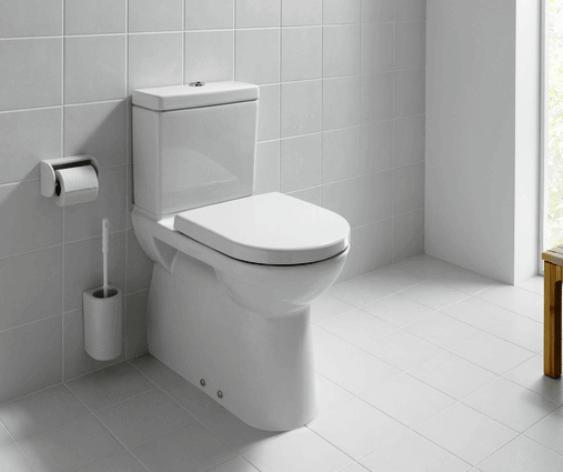 Hátsó kifolyású monoblokkos WC. csésze